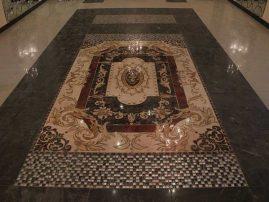 Шикарный керамогранитный ковер в главном зале