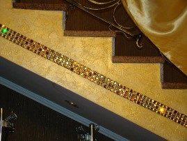 Ступени лестницы, отделанные мозаикой