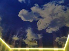 Натяжной потолок «Облака»