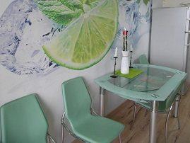 Фотообои «Летний коктейль» в домашней столовой