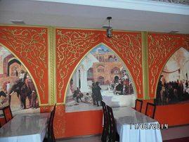 Фотообои «Восточный город» в зале ресторана