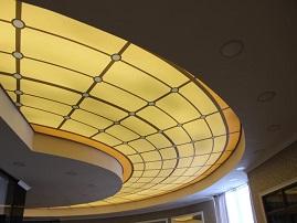 Натяжной потолок «вкруговую»